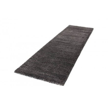 tapis runner pour habiller un couloir ou une entr e. Black Bedroom Furniture Sets. Home Design Ideas
