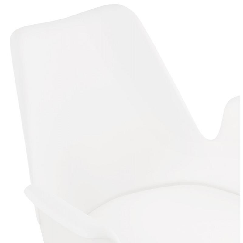 Skandinavischer Designstuhl mit ARUM Füßen naturfarbenen Holzarmlehnen (weiß) - image 43288