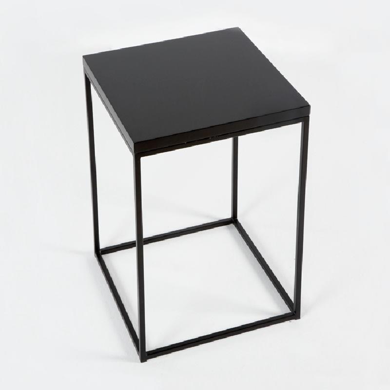 Table d'appoint, bout de canapé 48x48x70 Métal MDF Noir